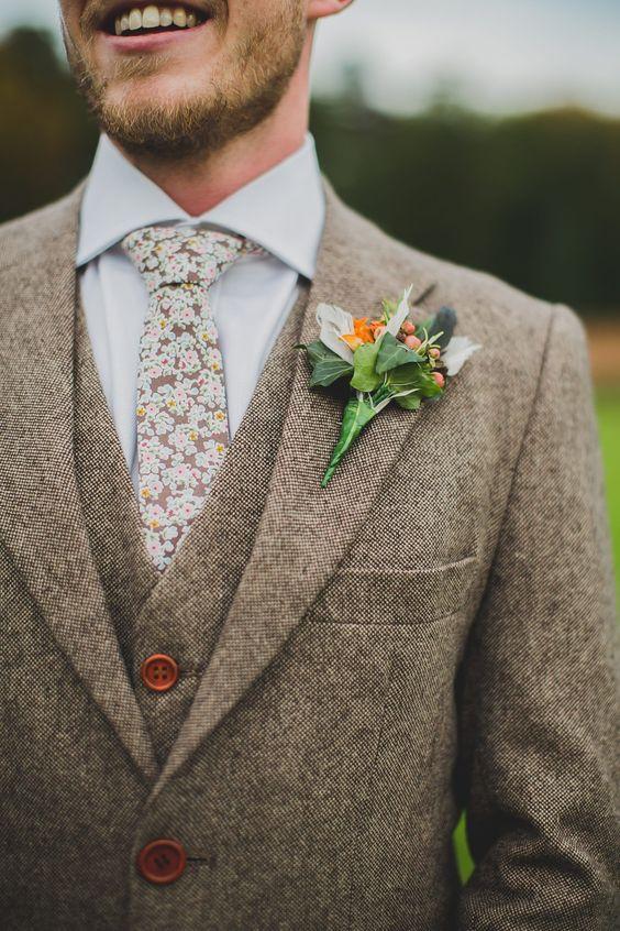 brązowy garnitur ślubny