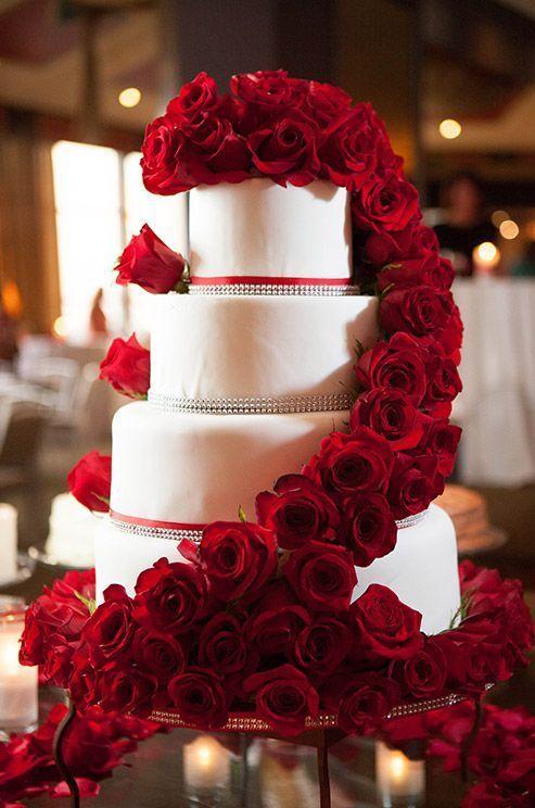 Tort z czerwienią