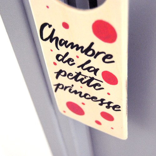 Déco chambre fille: doorhanger avec pois roses, décoré à la main | Calligraphie Marika Salerno