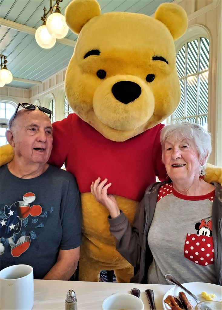 winnie the pooh with dad and mom