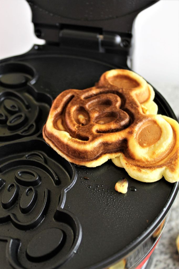 mickey waffle maker with one waffle