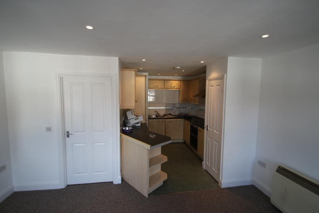 2 Bed Apartment To Rent Farm Street Gloucester GL1 5AD