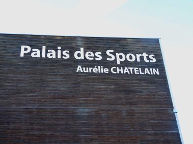Réalisations lettres découpées Palais des sports AUrélie Châtelain Alu dibond Caudry