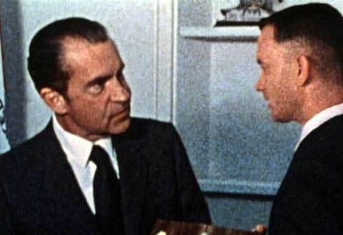 una delle celebri scene di Forrest Gump quando incontra Nixon
