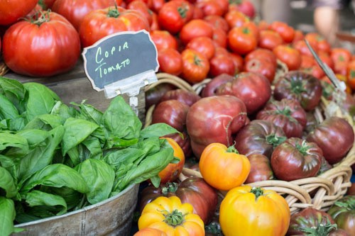 Portland Farmer's Mkt tomato display