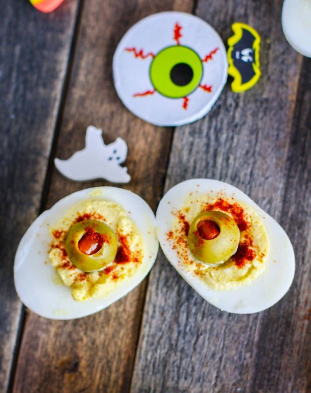 Spooky Deviled Egg Eyeballs for 16 Healthy Vegetarian Halloween Picks