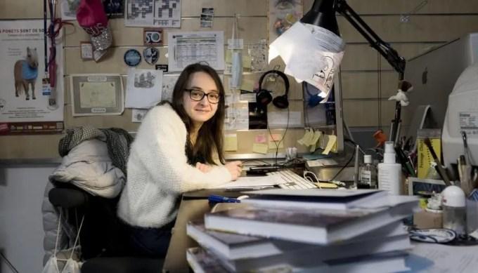 Marion Montaigne dans son atelier d'artistes, à Paris, en janvier 2018. //©Éric Garault pour l'Etudiant