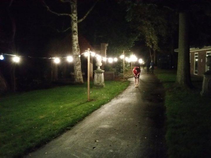 Het eerste deel van het parcours is goed verlicht.