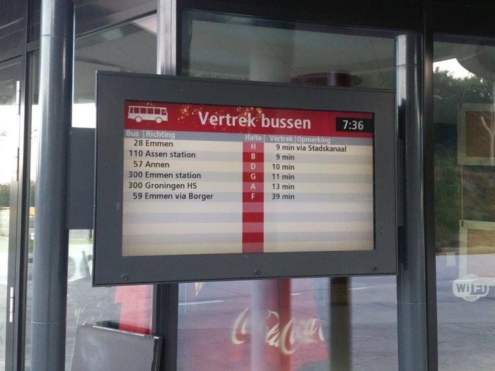 Al vroeg vanuit Gieten met de bus naar Groningen.