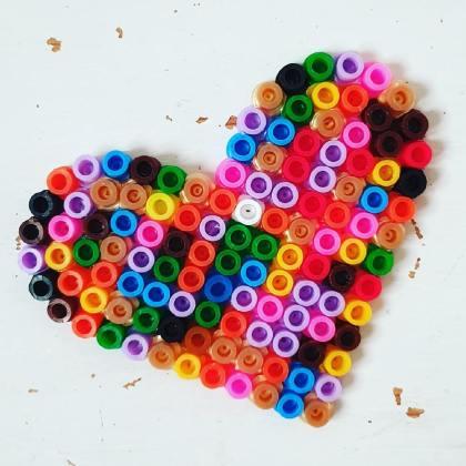 Strijkkralen hartje knutselen voor vaderdag of moederdag / Hama beads crafting for fathers day or mothers day