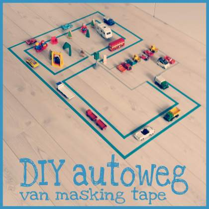 DIY autoweg van masking tape