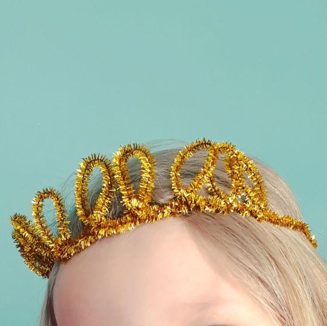 Knutselen voor Koningsdag en Oranje: kroon van pijpenragers