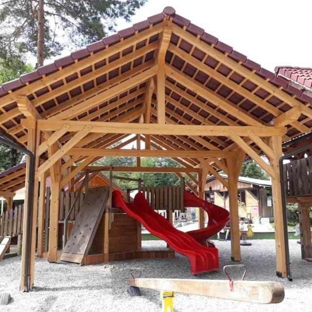 Vakantie in Slovenië met kids, Outdoor Paradijs! Camping Kamp Menina speeltuin