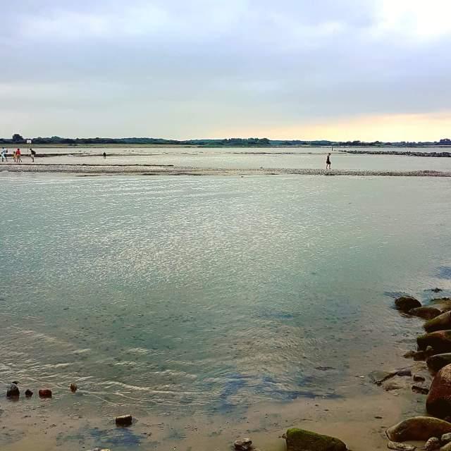 Vakantie met kids: sprookjesachtig Funen in Denemarken - de oude stad Bogense met strand en haven