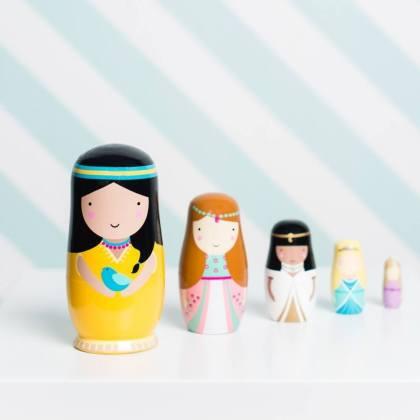 Sinterklaascadeaus pakjesavond: matroeska of Babushka poppetjes of nesting dolls, voor peuters, kleuters en schoolkinderen