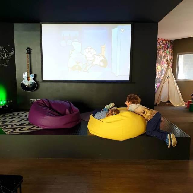 Novotel Lille Centre Gares, kleurrijk hotel met familiekamers