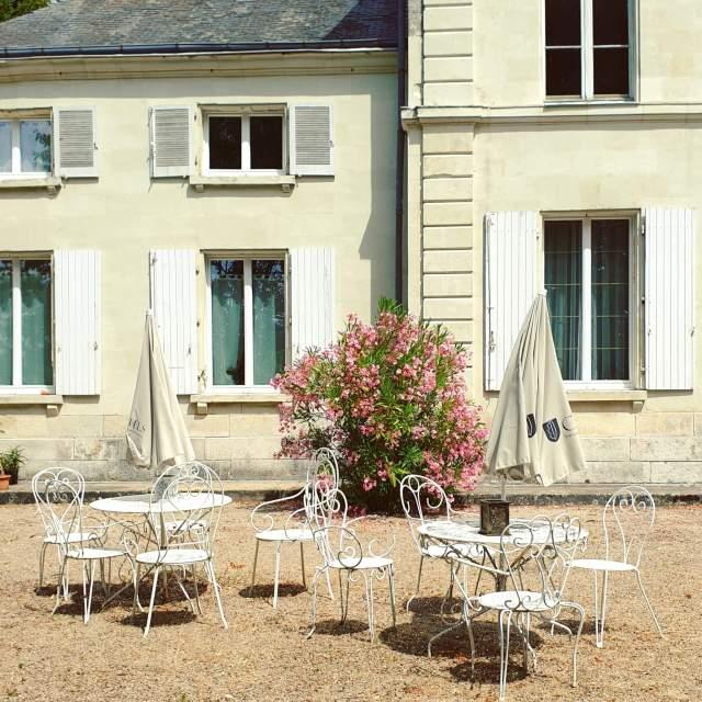 restaurant van kasteelcamping Le Petit Trianon de Saint Ustre in Frankrijk