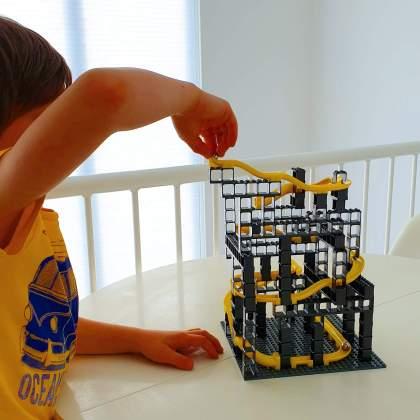 Hubelino Pi knikkerbaan combineren met LEGO