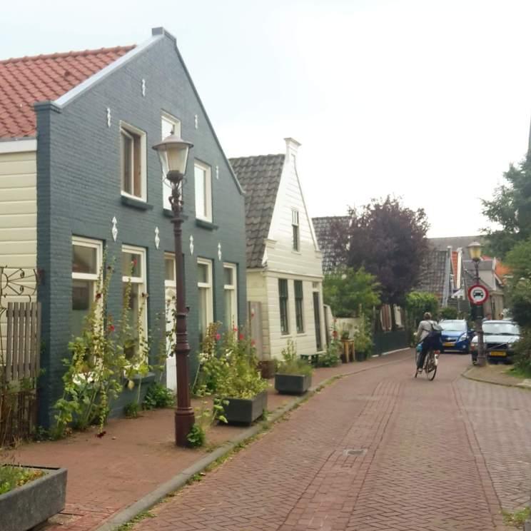 Wandelen met kinderen in de buurt van Amsterdam: plekken met speeltuin - Nieuwendammerdijk in Noord