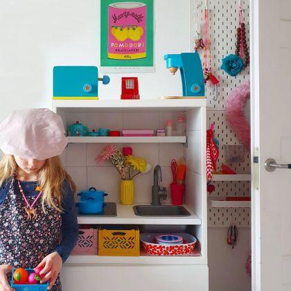 Ikea speelkeuken hack: een kinderkeuken maken van Duktig en Besta. Kids kitchen DIY project.