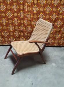 Vroom en Dreesman Design Fauteuil van hout en touw 1957