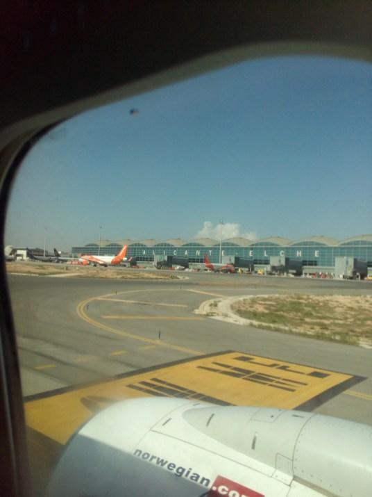 Flughafen aus dem Flugzeug