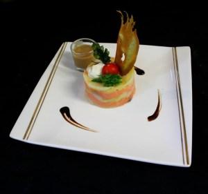 Millefeuilles de pomme de terre safranée, saumon fumé