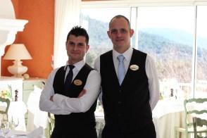 L'équipe de salle, à droite, Philippe Pastorello, parfait dans son rôle de maitre d'hôtel