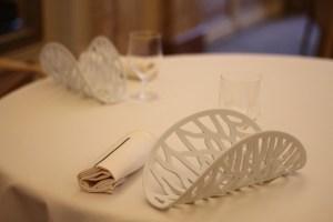 Des arts de la table épurés qui font écho à la cuisine d'Alain Ducasse