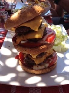 Le Méga Venus Burger, digestif offert pour ceux qui le terminent!