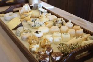 Pas de buffet sans un vaste choix de fromages...