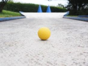Mini-golf sur le site du camping Le Verdillé, Saint Just en Chevalet