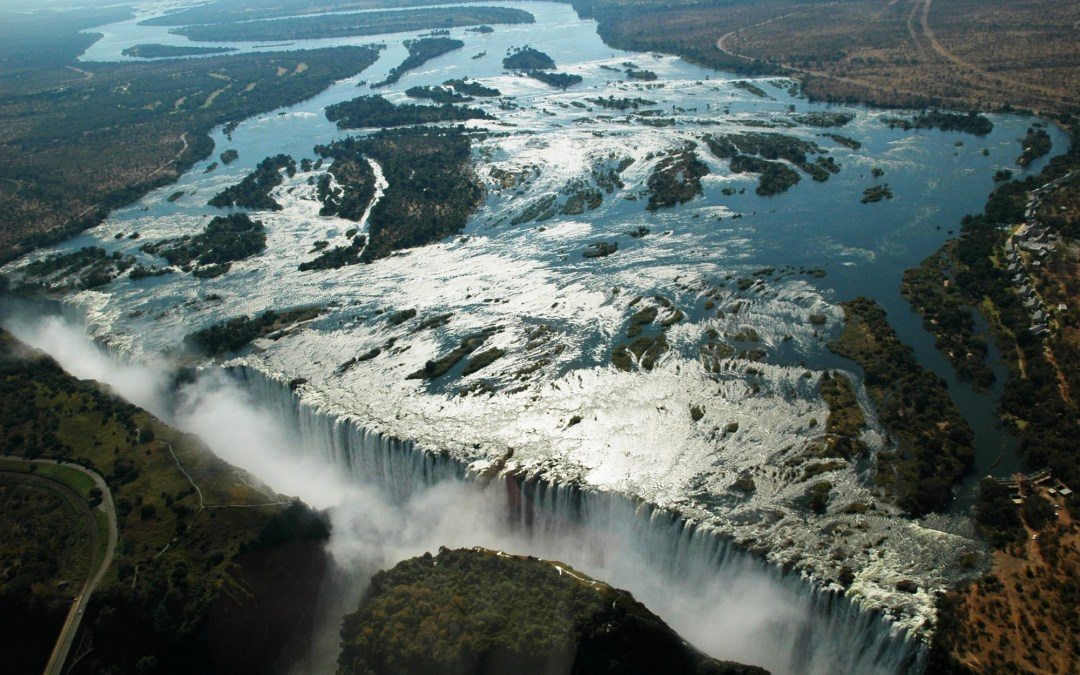 Mosi-oa-Tunya (Les chutes Victoria)