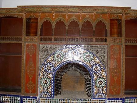Marrakech  Palais Bahia  Chemine dune chambre dcore de faences de Ttouan  1021