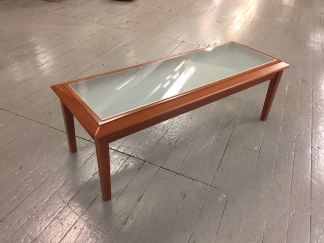 z37 coffee table with frosted glass
