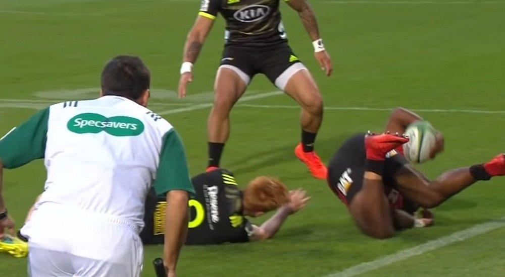 insolite la passe sensationnelle de manasa mataele rugby buzz xv de départ 15