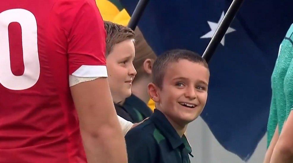 vidéo des étoiles dans les yeux pour ce petit garçon rugby coupe du monde xv de départ 15