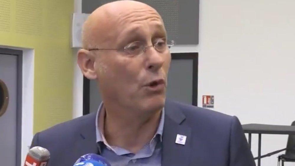 bernard laporte fond en larmes devant les journalistes rugby france xv de départ 15