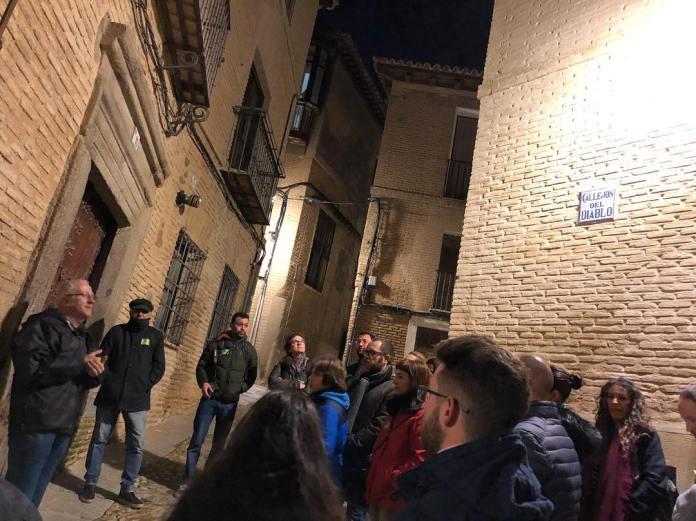 """Visita guiada nocturna """"Toledo Mágico"""" de Rutas de Toledo, en el callejón del Diablo"""