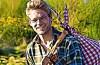 Guillaume Mouton, alias Mouts, est un baroudeur qui parcourt les routes sans argent, portable, ni vêtement. Il nous enseigneles leçons tirées de ses voyages.