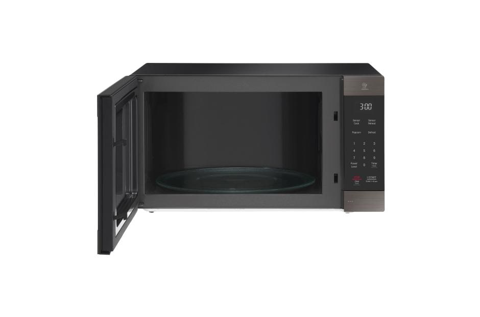 lg black stainless steel series 2 0 cu ft neochef countertop microwave with smart inverter and easyclean