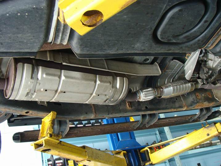 Ford Escape 2008 Exhaust Manifold With Integrated Catalytic Converter