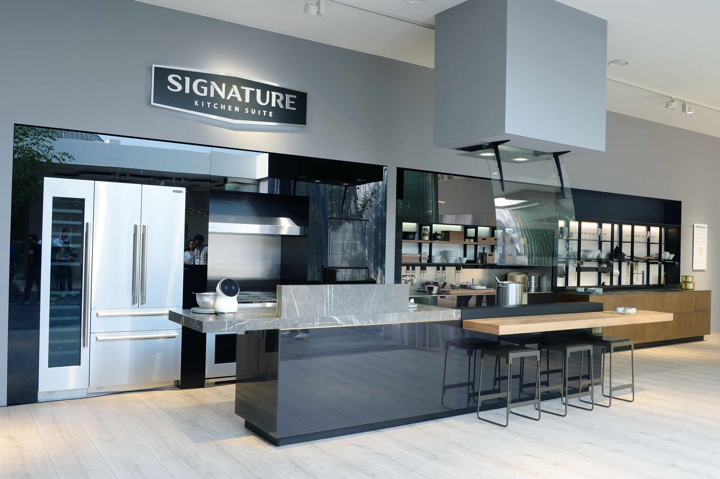 LG BRINGS ULTRA ELEGANCE TO HOMES WITH EUROPEAN DEBUT OF