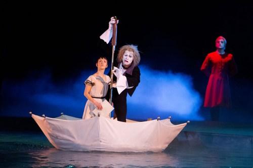 photo-Cirque-du-Soleil-le-voyage-imaginaire-Cirque-du-Soleil-Worlds-Away-2012-1
