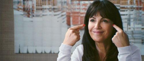 """Zabou Bretiman, une directrice qui demande à ses employés d'avoir """" la banane""""..."""