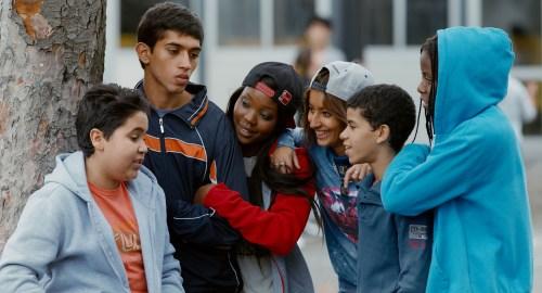 Dans la cour de l'école, des copains, des copines, Many va bien