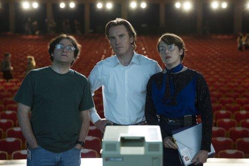 Michael Stuhlbarg interprète Andy Hertzfeld,l'ami d'enfance avec qui Jobs bidouillait dans son garage...