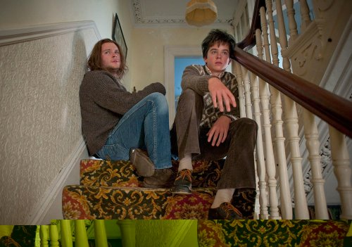 Conor avec son grand frère, une relation très prenante et que le scénario révèle de façon particulièrement émouvante