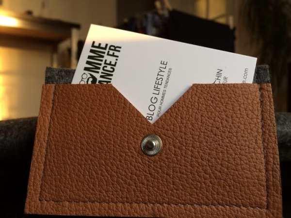 Porte carte tendance en feutre et en cuir