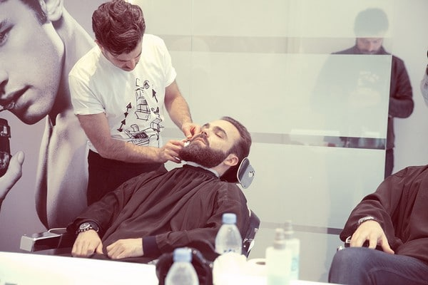 Taille de barbe et relaxation